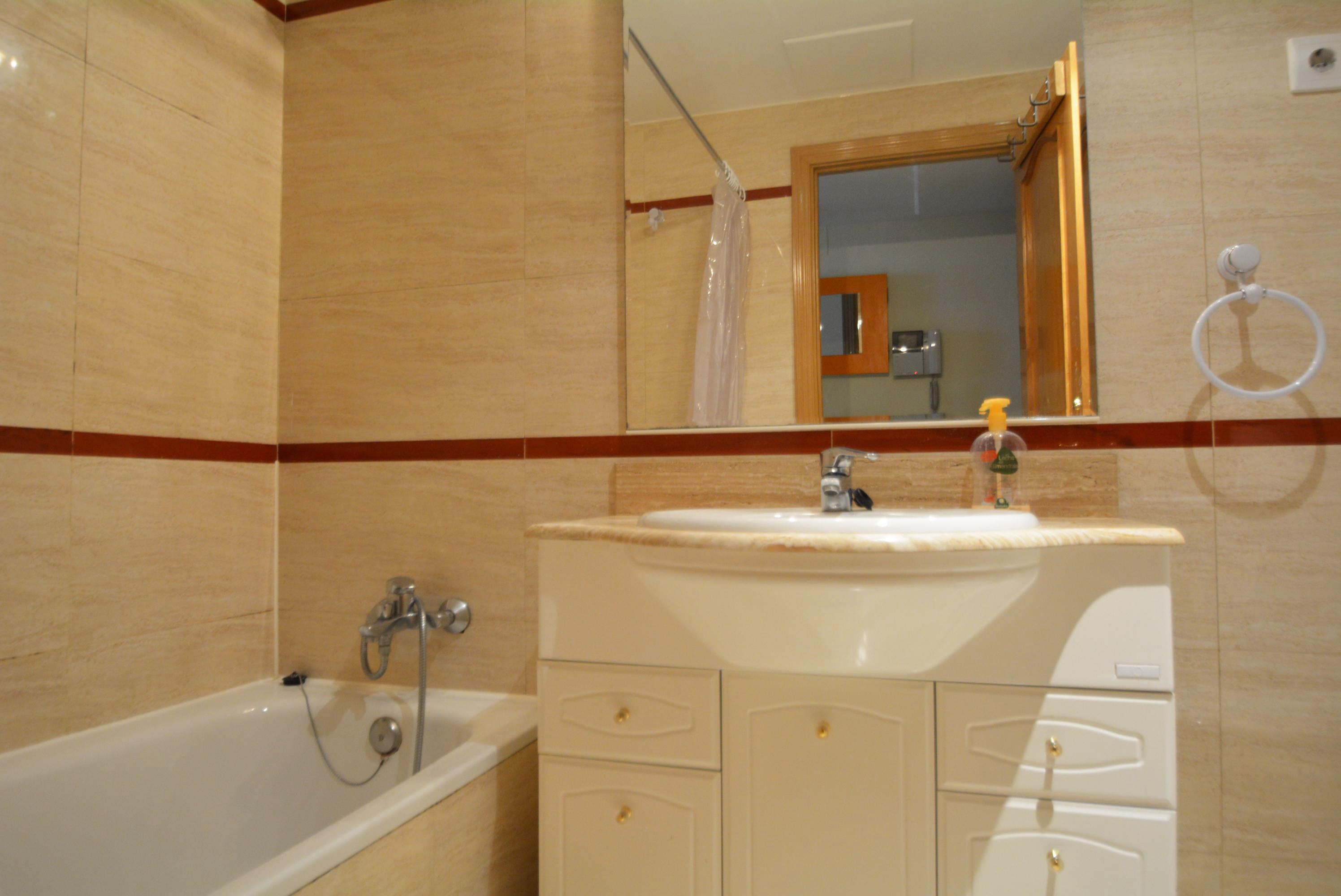 Piso majadahonda alquiler 650 euros zona avenida reyes - Alquiler de pisos baratos en majadahonda ...