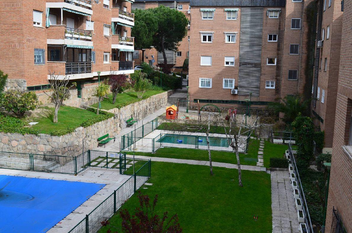 Piso las rozas de madrid alquiler 790 euros zona centro for Compartir piso madrid centro
